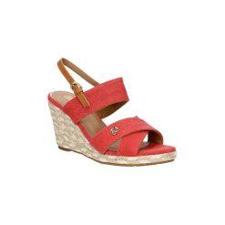 Sandały Wrangler  Sandały na koturnie  WL171613. Różowe sandały damskie Wrangler, na koturnie. Za 198,99 zł.