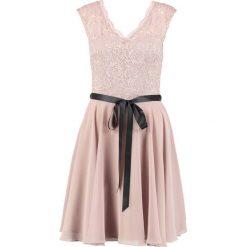 Swing Sukienka koktajlowa taupe. Szare sukienki koktajlowe marki Swing, z materiału. W wyprzedaży za 345,95 zł.