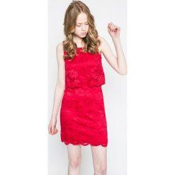 Vero Moda - Sukienka. Szare sukienki koronkowe marki Vero Moda, na co dzień, m, casualowe, z okrągłym kołnierzem, mini, proste. W wyprzedaży za 69,90 zł.