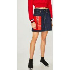 Calvin Klein Jeans - Spódnica. Szare minispódniczki Calvin Klein Jeans, z bawełny, z podwyższonym stanem, proste. Za 449,90 zł.