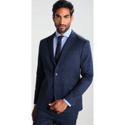 Pier One Garnitur dark blue. Niebieskie garnitury marki Pier One, z bawełny. Za 509,00 zł.