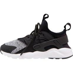 Trampki męskie: Nike Sportswear HUARACHE RUN ULTRA SE (PS) Tenisówki i Trampki black/anthracite/white/wolf grey