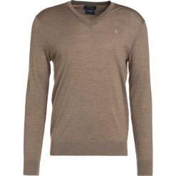 Polo Ralph Lauren SLIM FIT Sweter honey brown heather. Brązowe swetry klasyczne męskie marki Polo Ralph Lauren, m, z materiału, polo. W wyprzedaży za 353,40 zł.