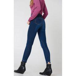 IVY Jeansy 7/8 Alexa - Blue. Czarne jeansy damskie marki IVY, z denimu. W wyprzedaży za 242,97 zł.