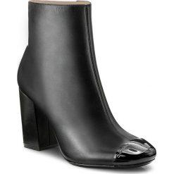 Botki CALVIN KLEIN BLACK LABEL - Celestina E5795 Black. Czarne buty zimowe damskie marki Calvin Klein Black Label, z materiału. W wyprzedaży za 479,00 zł.