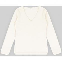 Sweter kaszmirowy w kolorze białym. Białe swetry klasyczne damskie marki Ateliers de la Maille, z kaszmiru. W wyprzedaży za 363,95 zł.