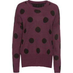 Swetry klasyczne damskie: Sweter w grochy bonprix oberżyna w grochy