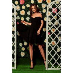 Sukienka bardotka l258. Czarne sukienki koktajlowe Lemoniade, na imprezę, na lato, l, z falbankami. W wyprzedaży za 169,00 zł.