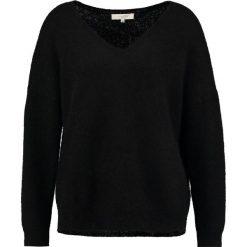 Swetry klasyczne damskie: Selected Femme SFLIVANA VNECK  Sweter black