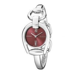 """Zegarek """"YA139502"""" w kolorze srebrno-bordowym. Analogowe zegarki damskie Festina & Hugo Boss, ze stali. W wyprzedaży za 2299,95 zł."""
