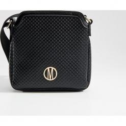 Torebka na ramię z geometryczną fakturą - Czarny. Czarne torebki klasyczne damskie Mohito, w geometryczne wzory. Za 99,99 zł.