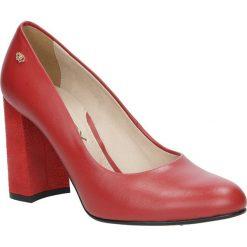 Czerwone czółenka skórzane na szerokim ozdobnym obcasie Oleksy 517/230/878. Szare buty ślubne damskie marki Oleksy, ze skóry. Za 248,99 zł.