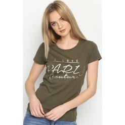 Ciemnozielony T-shirt Posh. Zielone t-shirty damskie marki Born2be, m. Za 29,99 zł.