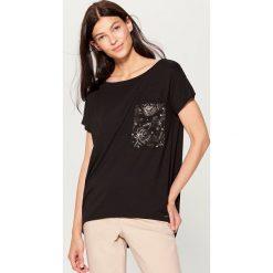 Koszulka oversize z kieszonką - Czarny. Szare t-shirty damskie marki Reserved, l. Za 59,99 zł.
