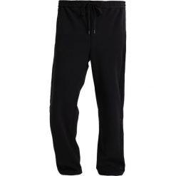 Topman WIDE Spodnie treningowe black. Czarne joggery męskie marki Topman, z dresówki. W wyprzedaży za 179,10 zł.
