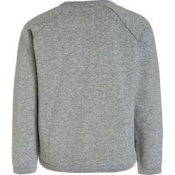 American Outfitters GLITTER CNECK BAMBI Bluza heather oxford. Szare bluzy chłopięce marki American Outfitters, z bawełny. W wyprzedaży za 199,20 zł.