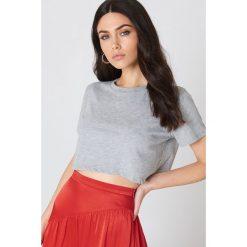 NA-KD Basic Krótki T-shirt oversize - Grey. Różowe t-shirty damskie marki NA-KD Basic, z bawełny. Za 40,95 zł.