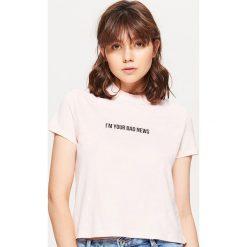 Koszulka z półgolfem - Różowy. Czerwone t-shirty damskie marki Cropp, l. Za 19,99 zł.