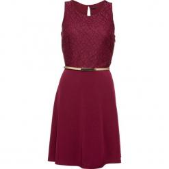 Sukienka z dżerseju z paskiem bonprix czerwony klonowy. Czerwone sukienki balowe marki bonprix, z dżerseju, z okrągłym kołnierzem. Za 149,99 zł.