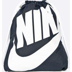 Nike Sportswear - Plecak. Różowe plecaki męskie marki Nike Sportswear, l, z nylonu, z okrągłym kołnierzem. Za 69,90 zł.