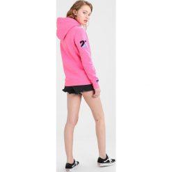Bluzy damskie: Superdry VINTAGE LOGO SPLICE ENTRY HOOD Bluza z kapturem fluro pink
