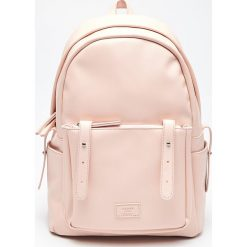 Plecak z kieszenią - Różowy. Czerwone plecaki damskie marki Cropp. Za 99,99 zł.
