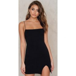 Sukienki hiszpanki: Vanessa Moe x NA-KD Sukienka na ramiączkach - Black