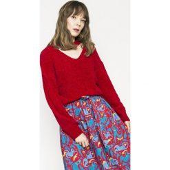 Medicine - Sweter Girl Power. Czerwone swetry klasyczne damskie MEDICINE, l, z dzianiny. W wyprzedaży za 59,90 zł.