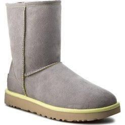 Buty UGG - W Classic Short II Neon 1016865 W/PCL. Szare buty zimowe damskie marki Ugg, z materiału, z okrągłym noskiem. Za 949,00 zł.