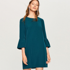 Sukienka z ozdobnymi rękawami - Khaki. Brązowe sukienki z falbanami marki Reserved. Za 99,99 zł.