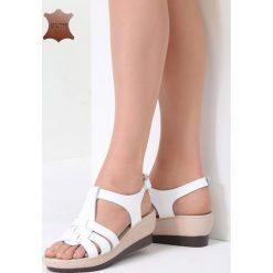 Białe Skórzane Sandały Roar. Białe sandały damskie marki vices, na koturnie. Za 99,99 zł.