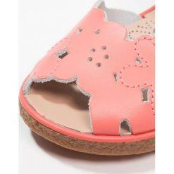 Camper TWINS Sandały medium pink. Czerwone sandały chłopięce Camper, z materiału. Za 239,00 zł.