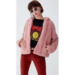 Bluza ze sztucznego baranka z kapturem. Szare bluzy damskie Pull&Bear, z kapturem. Za 109,00 zł.