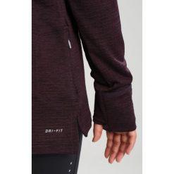 Nike Performance THERMA SPHERE Koszulka sportowa port wine heather/port wine/silver. Czerwone topy sportowe damskie marki Nike Performance, z elastanu, z długim rękawem. W wyprzedaży za 209,30 zł.