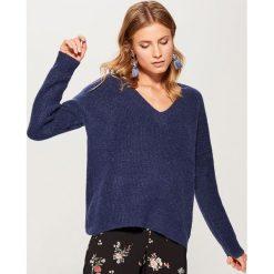 Sweter oversize Gold Label - Niebieski. Niebieskie swetry oversize damskie marki Mohito, l. Za 139,99 zł.