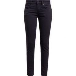 DRYKORN PAY Jeans Skinny Fit black. Czarne boyfriendy damskie DRYKORN, z bawełny. Za 549,00 zł.