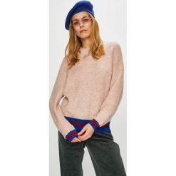 Pieces - Sweter. Szare swetry klasyczne damskie marki Pieces, l, z dzianiny, z okrągłym kołnierzem. W wyprzedaży za 139,90 zł.