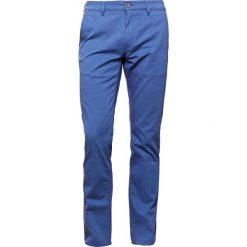 Chinosy męskie: BOSS Orange REGULAR  Spodnie materiałowe bright blue