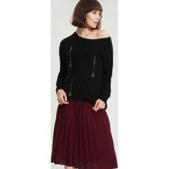 Czarny Sweter A Little Love. Czarne swetry klasyczne damskie other, na jesień, l. Za 99,99 zł.