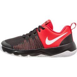 Nike Performance TEAM HUSTLE QUICK Obuwie do koszykówki black/white/university red. Czarne buty sportowe męskie Nike Performance, z gumy. Za 189,00 zł.