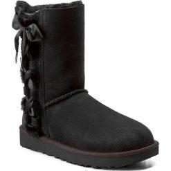 Buty UGG - W Pala 1017531 W/Blk. Szare buty zimowe damskie marki Ugg, z materiału, z okrągłym noskiem. Za 1069,00 zł.