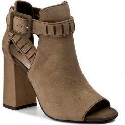 Sandały damskie: Sandały CARINII – B3893  J69-I43-000-000
