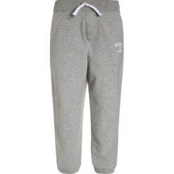 Hackett London Spodnie treningowe grey. Szare spodnie chłopięce Hackett London, z bawełny. W wyprzedaży za 194,35 zł.