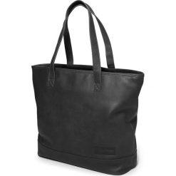 """Skórzana torebka """"Flask"""" w kolorze czarnym - 33 x 34 x 14 cm. Czarne torby na laptopa marki Eastpak, z materiału. W wyprzedaży za 434,95 zł."""