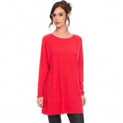 """Sweter """"Marlone"""" w kolorze czerwonym. Czerwone swetry klasyczne damskie marki Cosy Winter, s, ze splotem, z okrągłym kołnierzem. W wyprzedaży za 181,95 zł."""