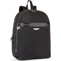 """Plecak """"Deeda"""" w kolorze czarnym - 32 x 42 x 16 cm. Czarne plecaki męskie Kipling, z tworzywa sztucznego. W wyprzedaży za 326,95 zł."""
