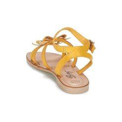 Sandały Betty London  ITATAME. Czerwone sandały damskie marki Nike. Za 159,20 zł.