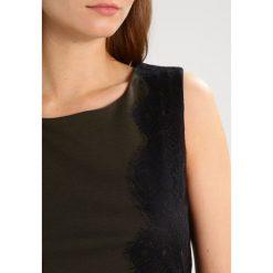 Sukienki hiszpanki: Kaffe ZOE Sukienka etui burnt green/black