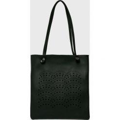 Answear - Torebka. Czarne torebki klasyczne damskie marki ANSWEAR, z materiału, duże. W wyprzedaży za 69,90 zł.