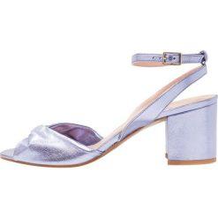 Whistles TULA SOFT TWISTED VAMP Sandały lilac. Fioletowe sandały damskie Whistles, z materiału. W wyprzedaży za 719,20 zł.